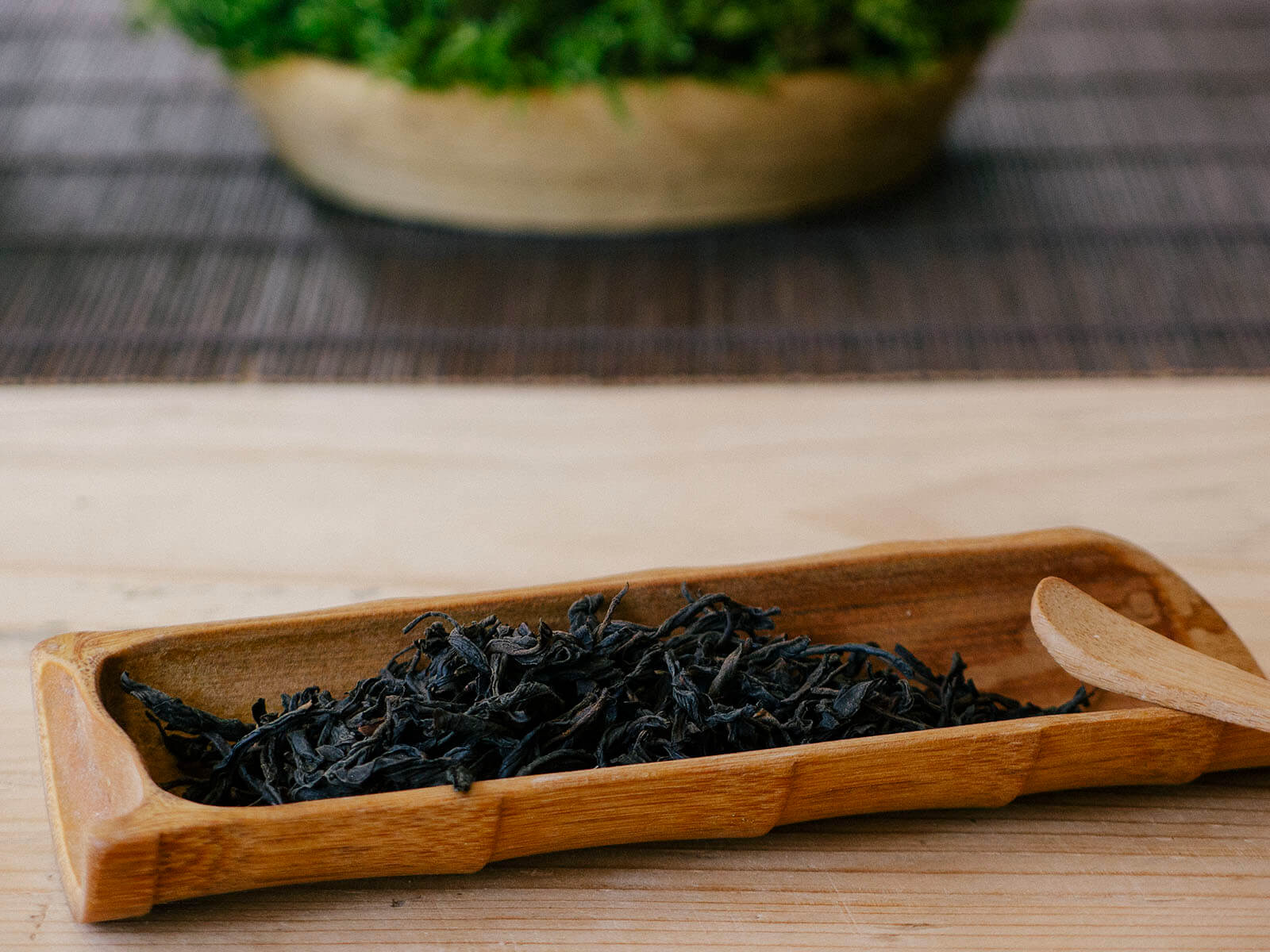 Tea Scoop - oolong tea leaves