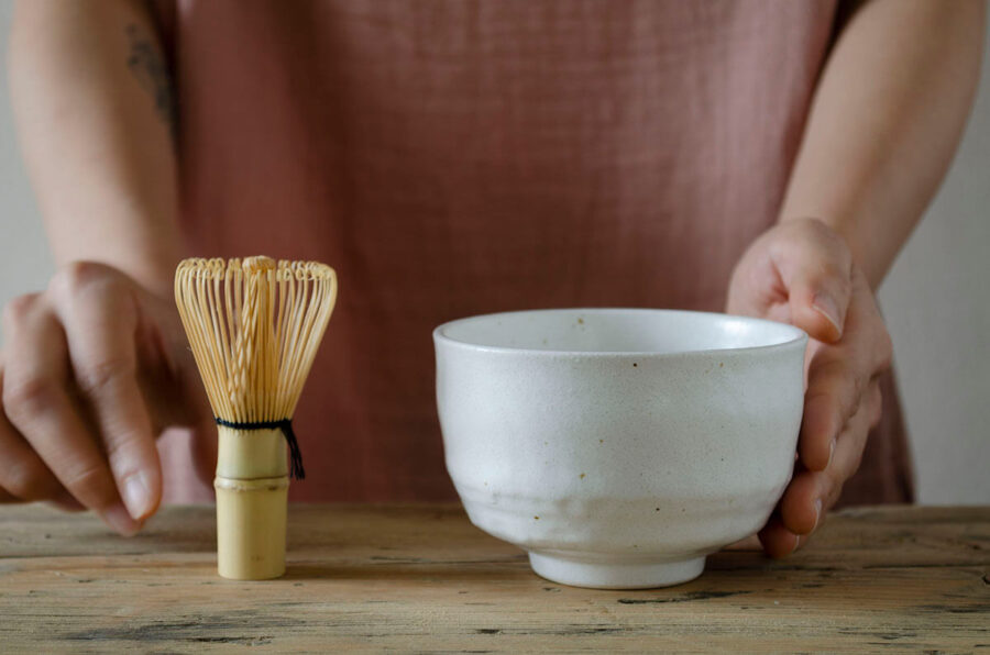 Nodate chawan and chasen - Mini matcha bowl and whisk in white - Patipatti